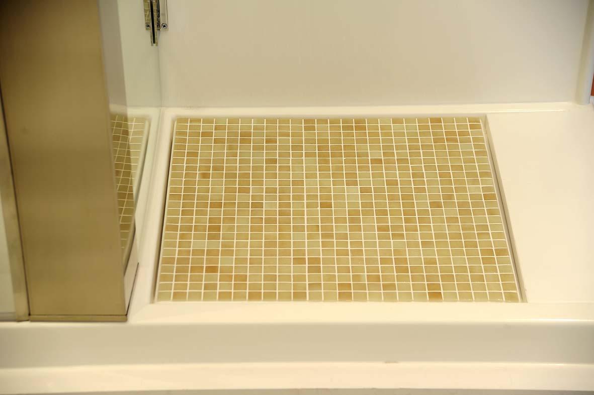 Plato de ducha antideslizante modelo advance antidex - Gresite para duchas ...